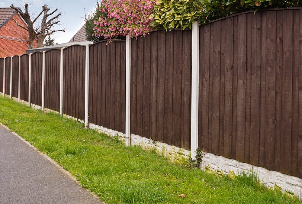 Fencing Panels Swindon – How to Put Up a Panel Fence