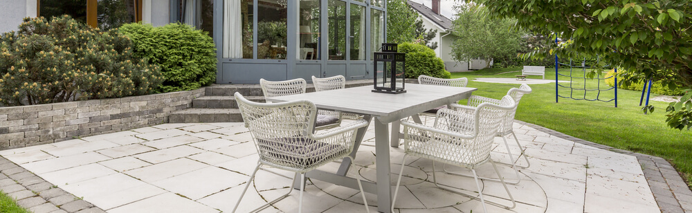 Our Top Tips to Maintaining Your Garden Paving